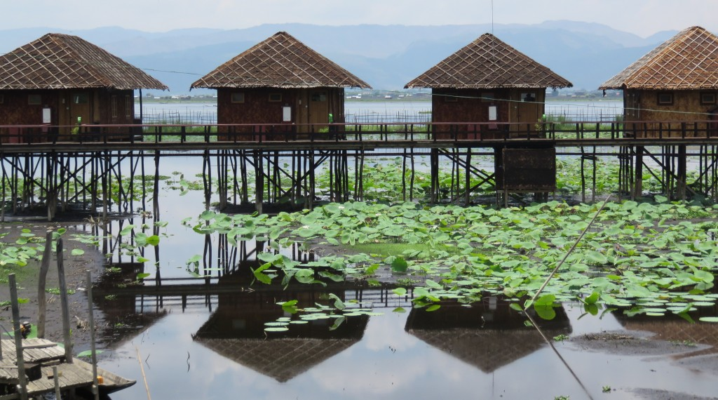 Inle - Golden cottage (5)